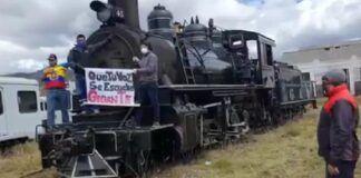 Plantón en defensa de Ferrocarriles del Ecuador.