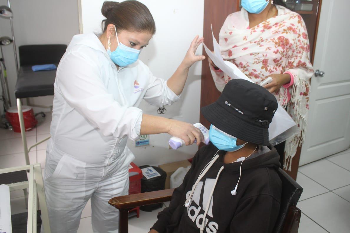 Entregando servicios médicos